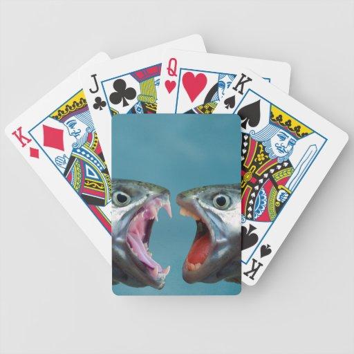 Pescados que gritan en uno a en un partido gritado baraja de cartas