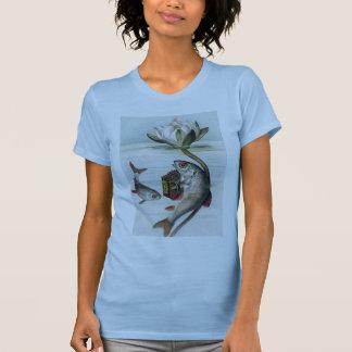 Pescados que juegan el lirio del acordeón y de camisetas