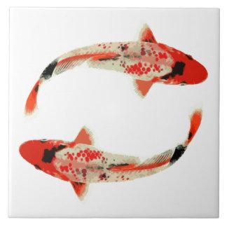 Pescados rojos, blancos, y negros de Koi Azulejo Cuadrado Grande