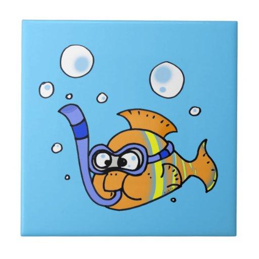 pescados tropicales del dibujo animado teja