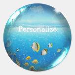 Pescados tropicales en pegatinas personalizados etiquetas redondas