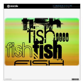 Pescados; Verde vibrante, naranja, y amarillo Calcomanía Para El MacBook