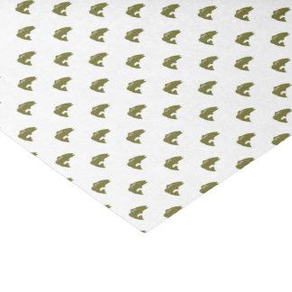 Pescados verdes de la perca americana el | papel de seda pequeño