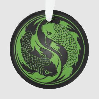 Pescados verdes y negros de Yin Yang Koi