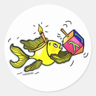 Pescados vivarachos de Hanuka - regalo cómico del Pegatina Redonda