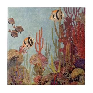 Pescados y coral tropicales del vintage en el azulejo cuadrado pequeño