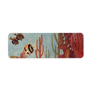 Pescados y coral tropicales del vintage en el océa etiqueta de remite
