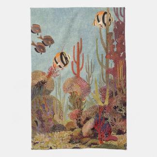 Pescados y coral tropicales del vintage en el océa toallas