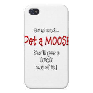 PET A MOOSE iPhone 4/4S CASES