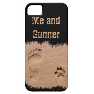 Pet & Footprint in the Sand iPhone SE/5/5s Case