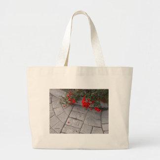 petali rossi large tote bag
