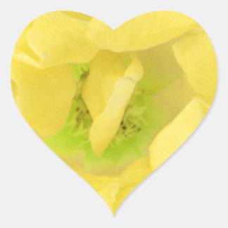 Pétalo amarillento AMARILLO llano de la flor Calcomania Corazon