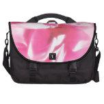 Pétalos color de rosa abstractos románticos bolsas de portátil
