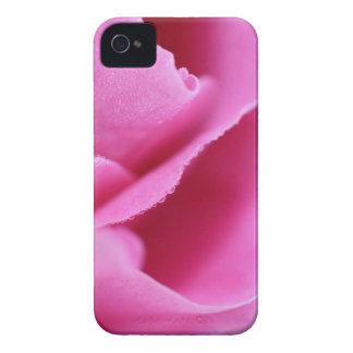Pétalos color de rosa con rocío Case-Mate iPhone 4 protectores