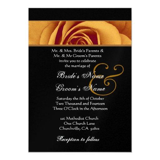 """Pétalos color de rosa del oro que casan el papel invitación 5"""" x 7"""""""