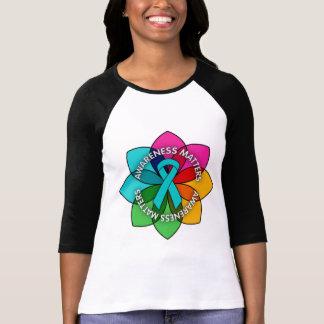 Pétalos de las materias de la conciencia de Gravis Camisetas