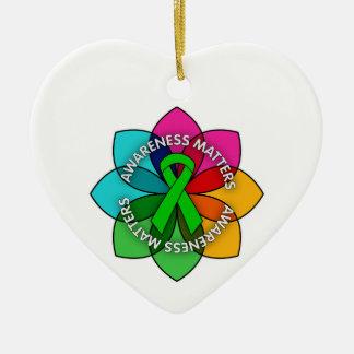 Pétalos de las materias de la conciencia de la adorno de cerámica en forma de corazón