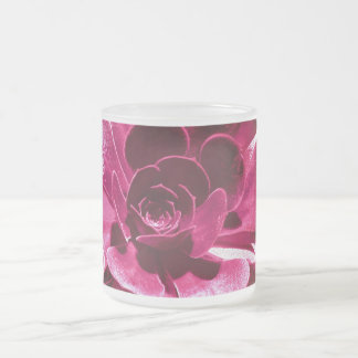 Pétalos de las rosas fuertes taza de café