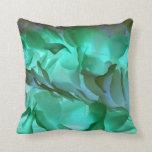 Pétalos grises y verdes fantasmagóricos almohadas