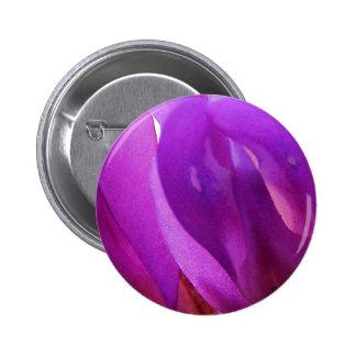 Pétalos púrpuras pin