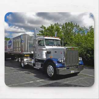 Pete 359 Single Axle Mousepad