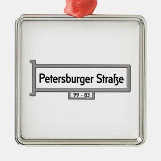 Petersburger Strasse, placa de calle de Berlín Adorno Cuadrado Plateado