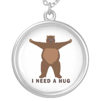 Petición del abrazo de oso colgante redondo