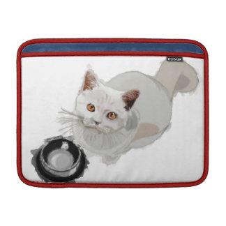 Petición del gato con el cuenco vacío de la comida fundas macbook air