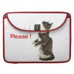 Petición del gato gris y blanco funda para macbook pro