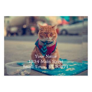 Petición que se sienta del gato beige del lazo tarjetas de visita grandes