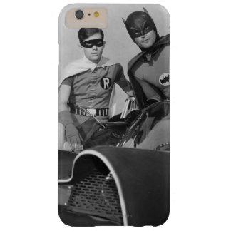 Petirrojo y Batman que se colocan en Batmobile Funda De iPhone 6 Plus Barely There