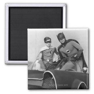 Petirrojo y Batman que se colocan en Batmobile Imán Cuadrado
