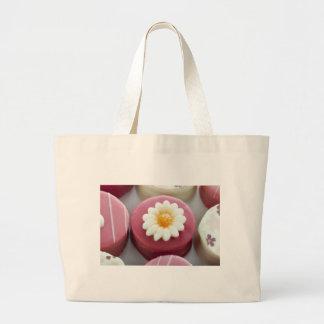 Petit Four with Flower Cloth Bag