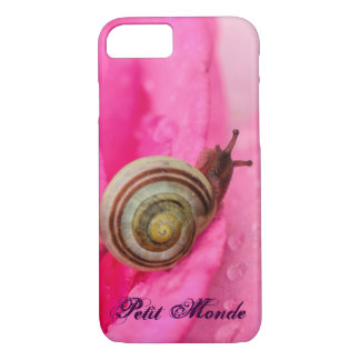 Petit Monde (french for Small World) iPhone 7 Case