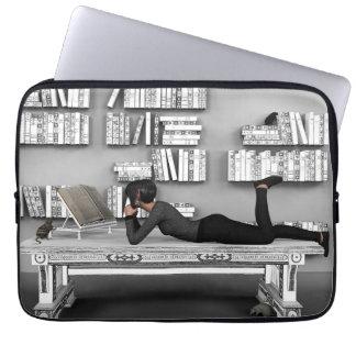 Petit rat de bibliothèque (bookworm) computer sleeve