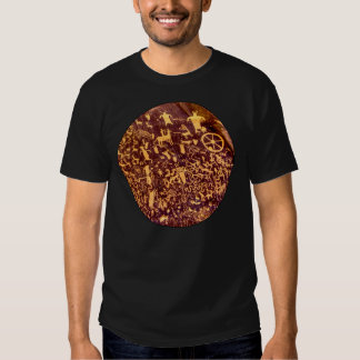 Petroglifo indio americano de la roca del remeras