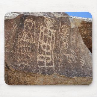 Petroglifo indio antiguo - Nevada Tapete De Ratones