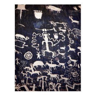 Petroglifos indios americanos de la descripción su postales