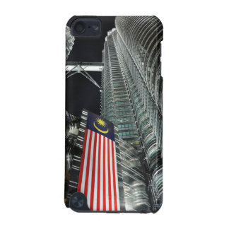 Petronas Towers at Night iPod Touch 5G Cases
