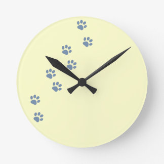 pets dog cat pawprints round clock