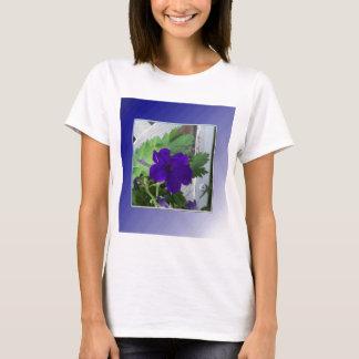petunia azul delicada playera