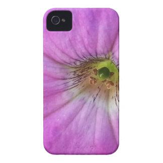 Petunia en funda rosa iPhone