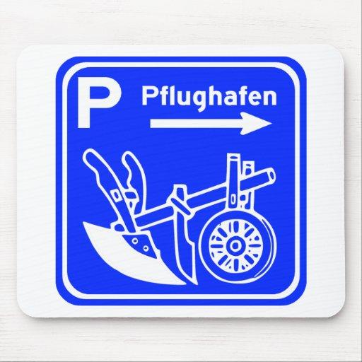 Pflughafen Schild Highway Sign Mousepad
