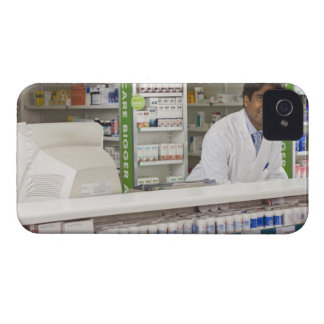 Pharmacist in a pharmacy iPhone 4 cover