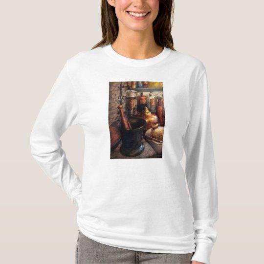 Pharmacy - Pestle - Pharmacology T-Shirt