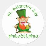 ~ Philadelphia del día del St Patricks Pegatina Redonda