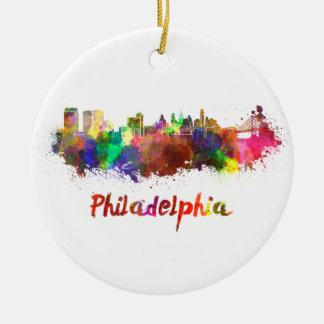 Philadelphia skyline in watercolor adorno redondo de cerámica