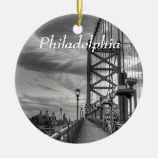 Philly del puente adorno redondo de cerámica