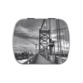 Philly del puente latas de caramelos