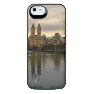 Photo of Central Park's Reservoir iPhone SE/5/5s Battery Case